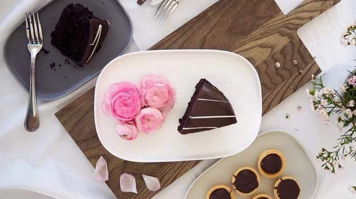Квіти на  тарілці