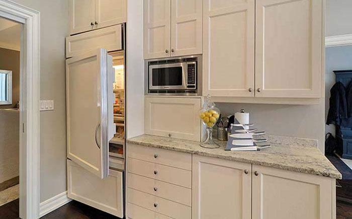 Вбудувати холодильник можна в будь-яку кухню
