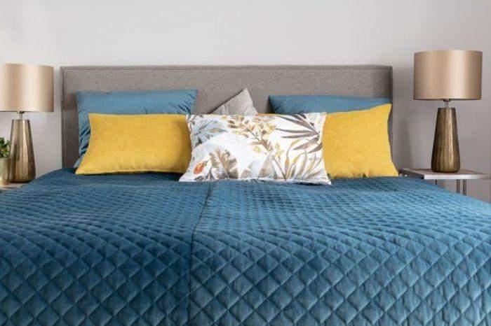 Разноцветный текстиль незаменим в холодное время года