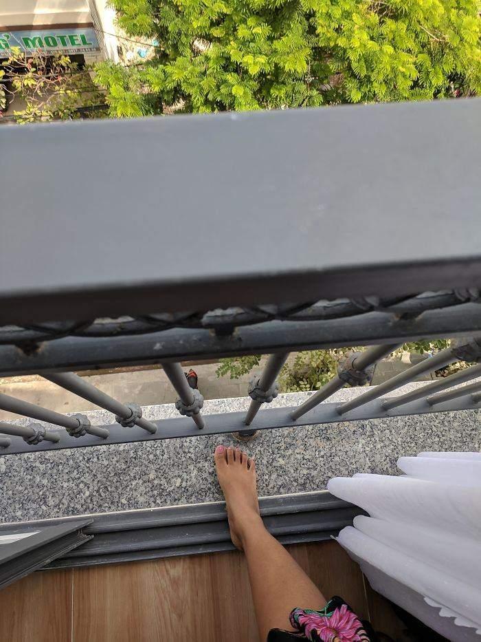 Владельцы квартиры на Airbnb заявили, что в квартире есть балкон