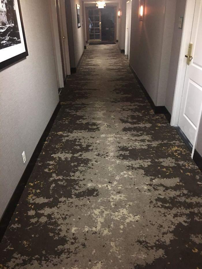 Дизайнери підібрали не надто вдалий візерунок для цієї підлоги