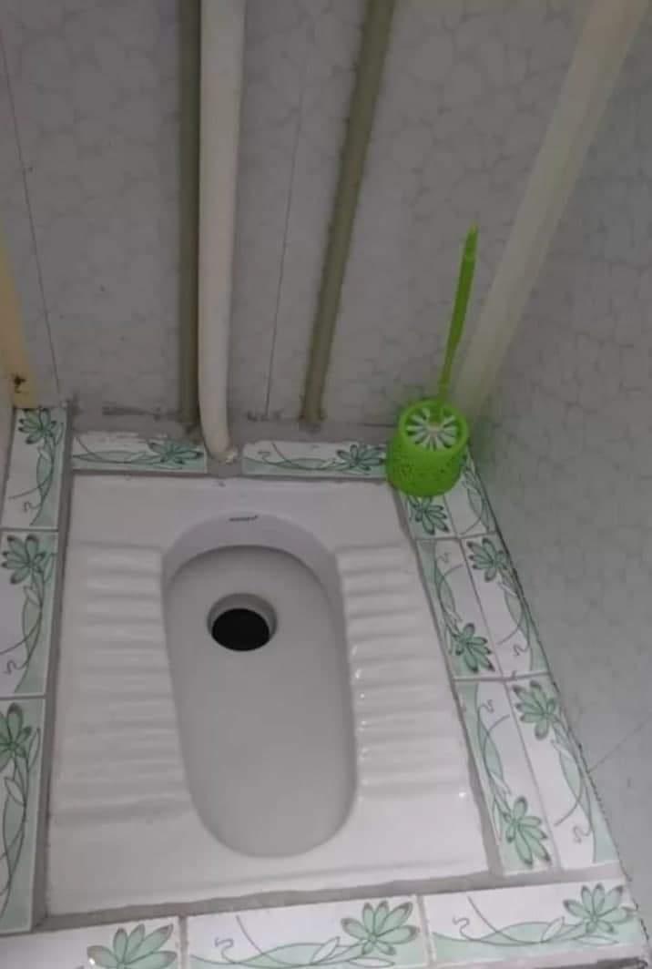 У квартирі є туалет