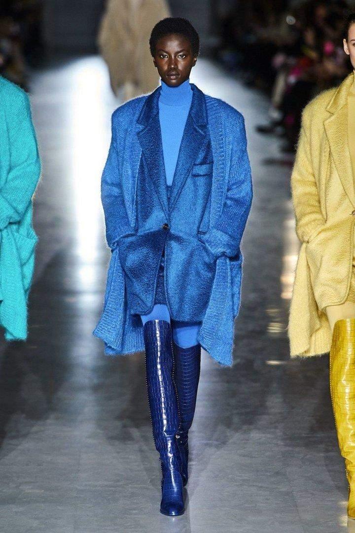 Головний колір 2020 року - синій