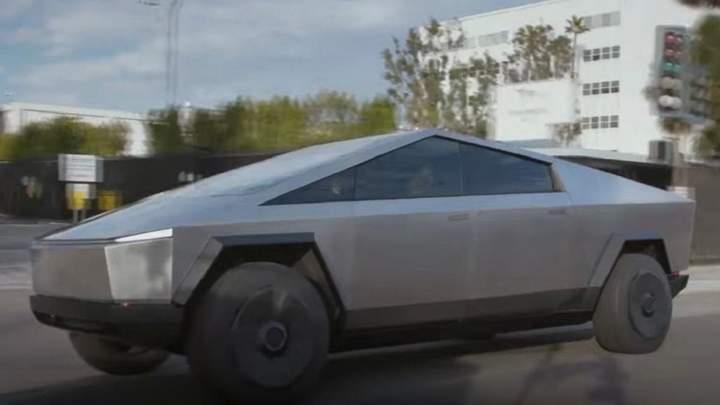 Tesla має план Б щодо Cybertruck