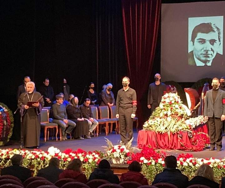 Прощання з Арменом Джигарханяном у Москві