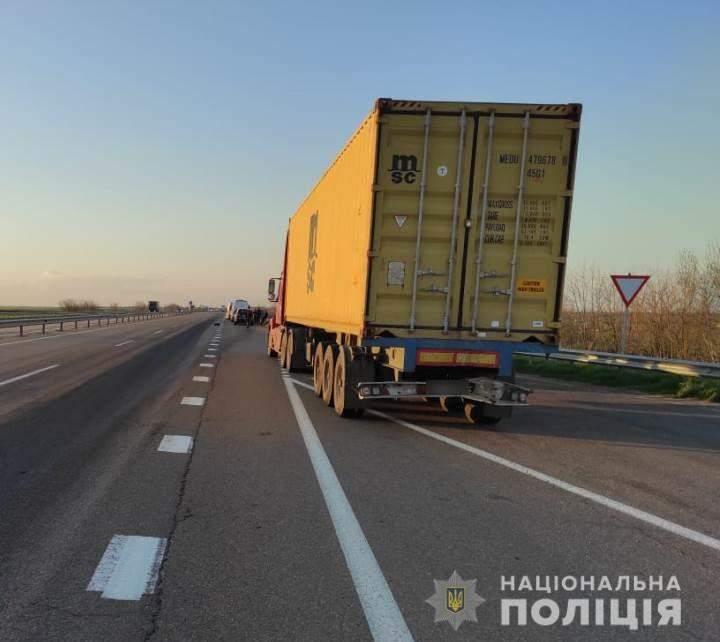 ДТП на Одещині маршрутка та фура щіштовхнулись на ходу