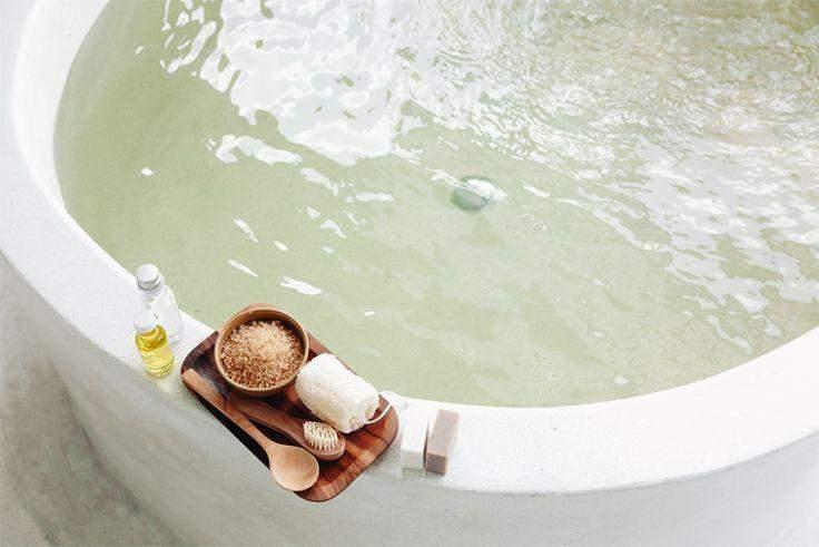 Прийміть гарячу ванну перед сном