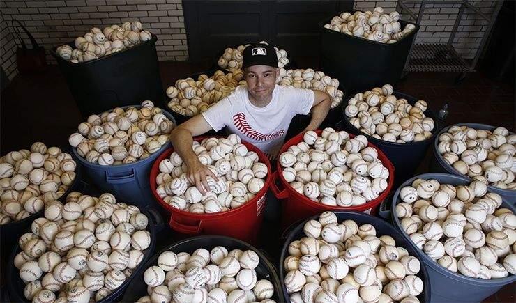 Бейсбольні м'ячі