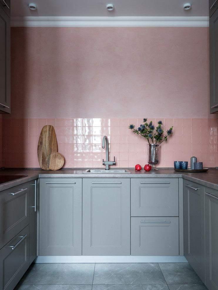 Холодний сірий і пильно-рожевий