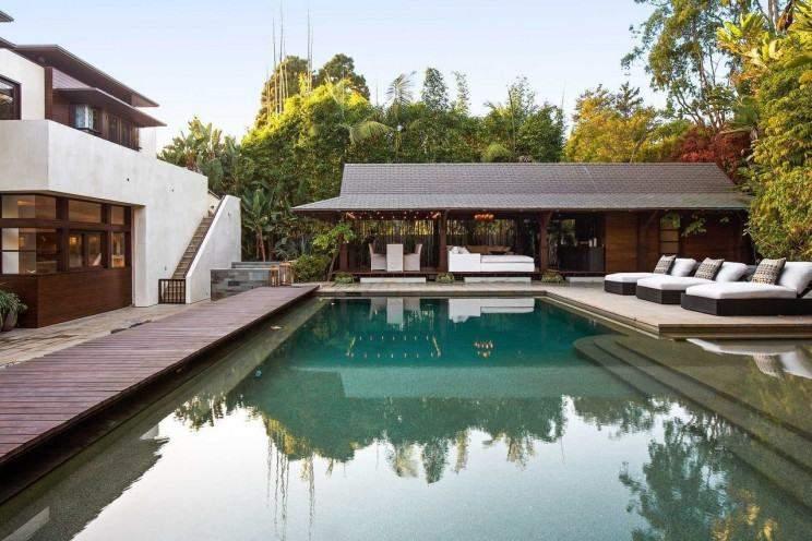 Голлівудський актор Метт Деймон знизив ціну на розкішний особняк у Лос-Анджелесі: в чому причина