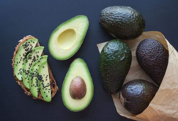 Авокадо містить корисні жири, що покращують роботу мозку