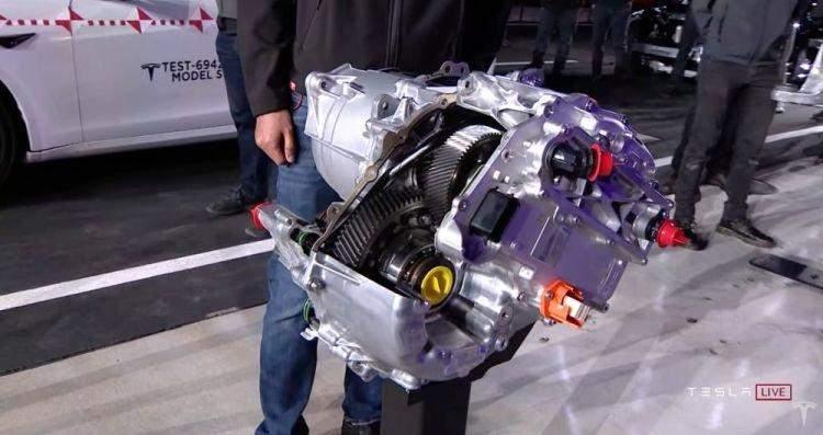 Електродвигун Model S Plaid