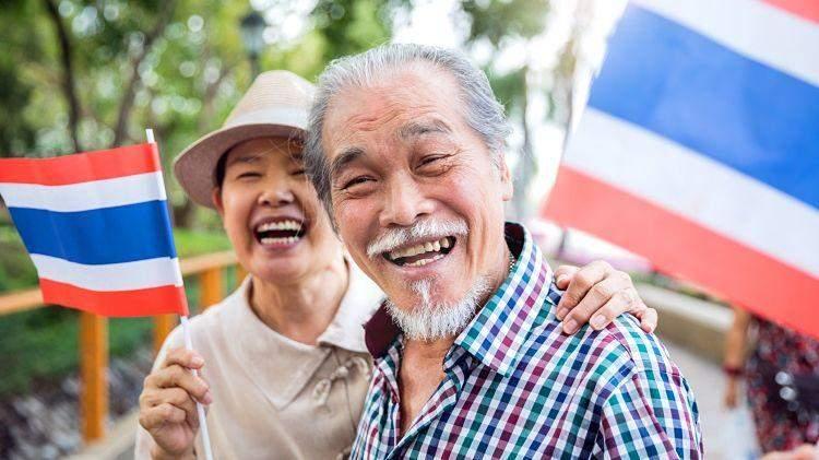усміхнені тайці