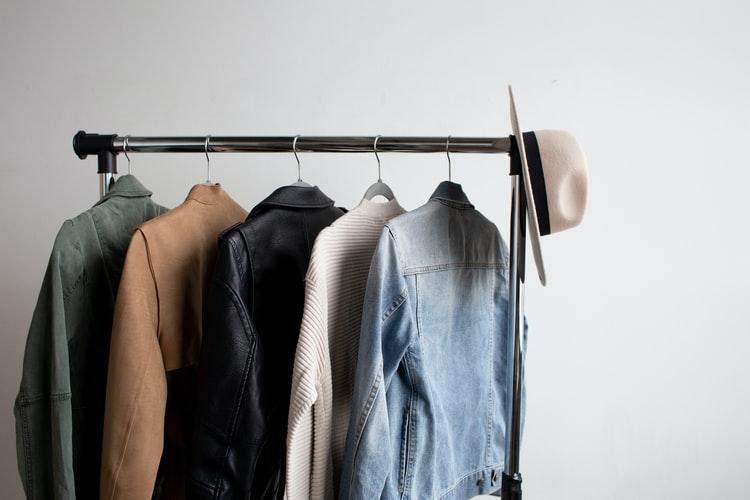 Стійка для одягу - джерело безладу