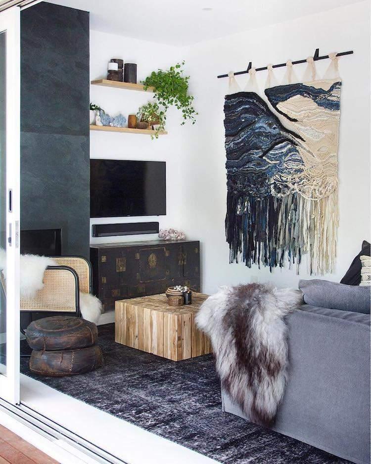 В яких інтер'єрах можна вішати килим на стіни