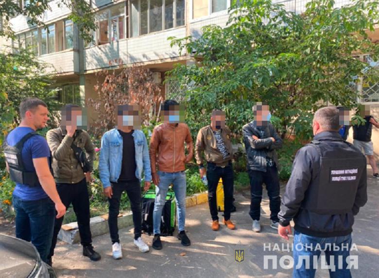 Нелегали іноземці Київ Кур'єри 20 вересня 2021