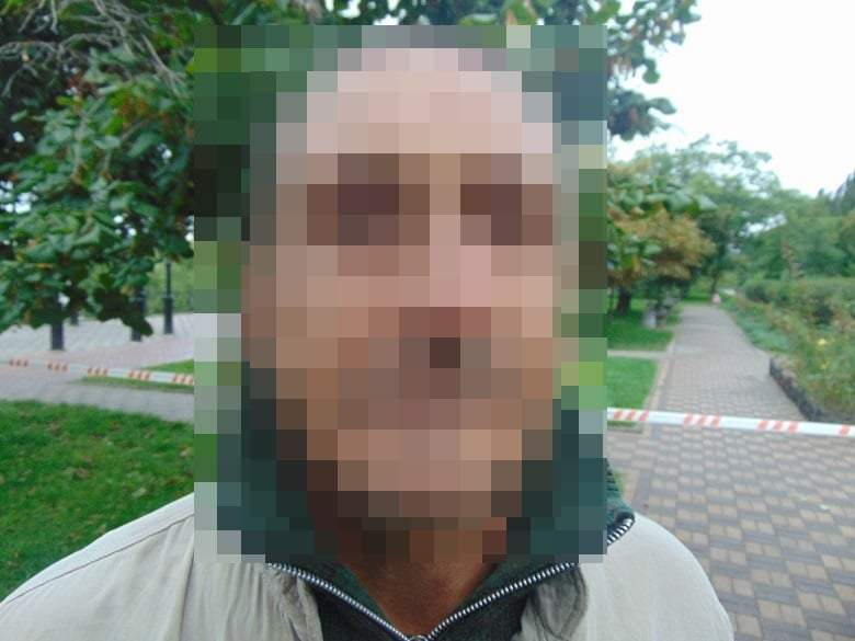 Київ, Русанівка, чоловік з гранатою, поліція затримала