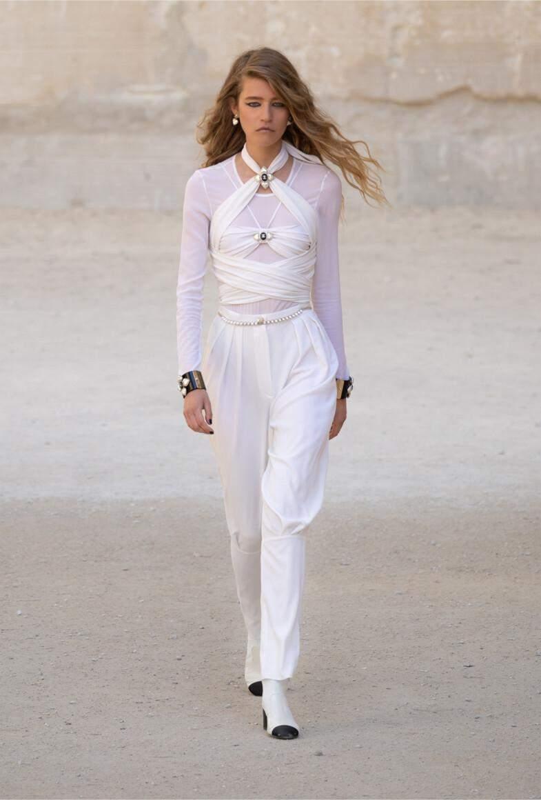 Круїзна колекція Chanel 2022 / Vogue