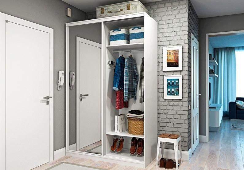 Передпокій у маленькій квартирі