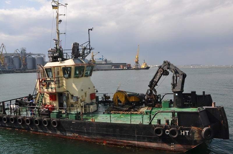 Повторна зачистка дна Чорного моря пляж Дельфін танкер DELFI