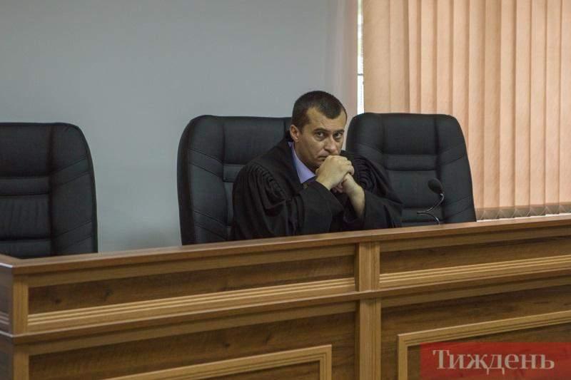 бугіль суддя