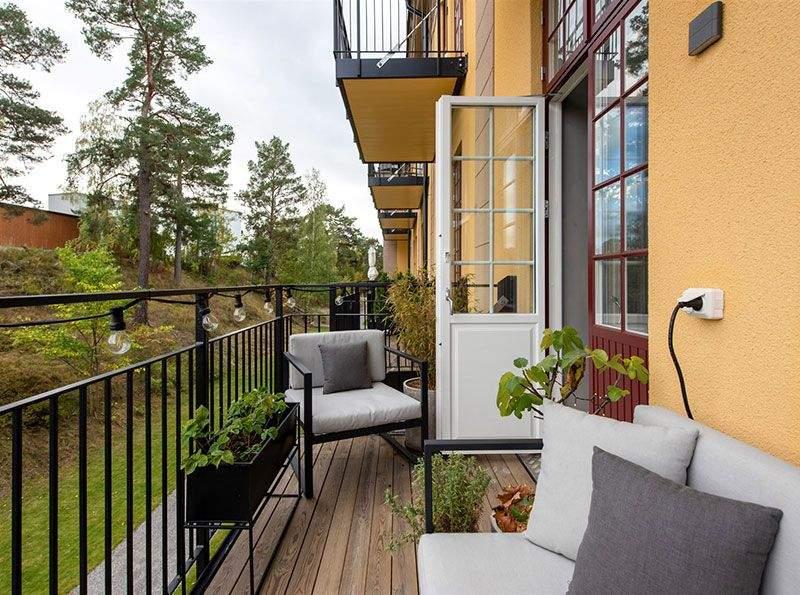 Балкон с зоной для отдыха