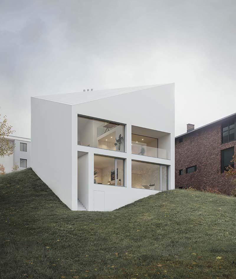 Дом нестандартной формы
