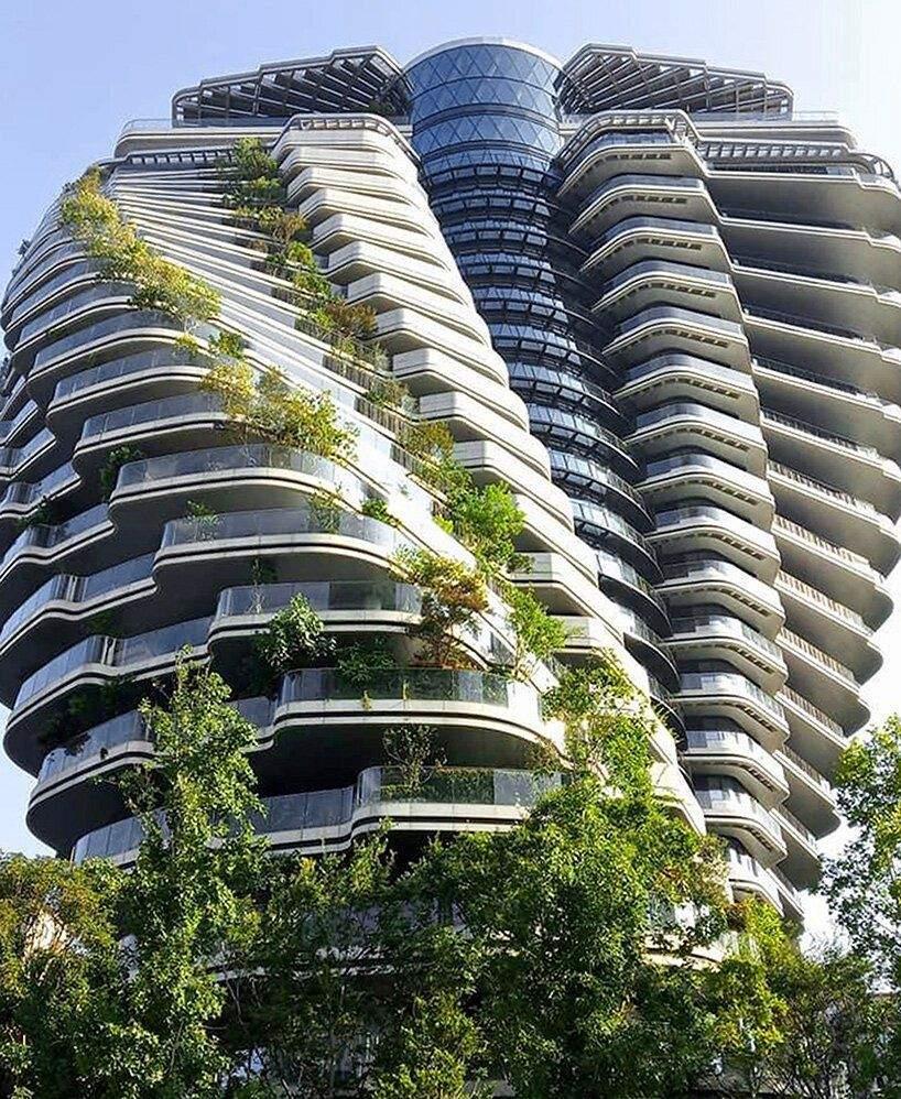 25 поверхів щедро збагачених зеленню  / Фото Designboom