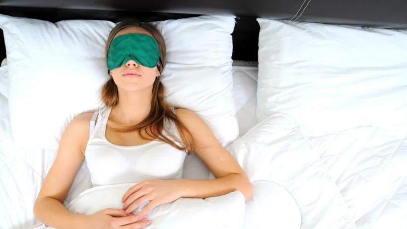Чтобы иметь здоровый сон, откажитесь от кофе и фастфуда