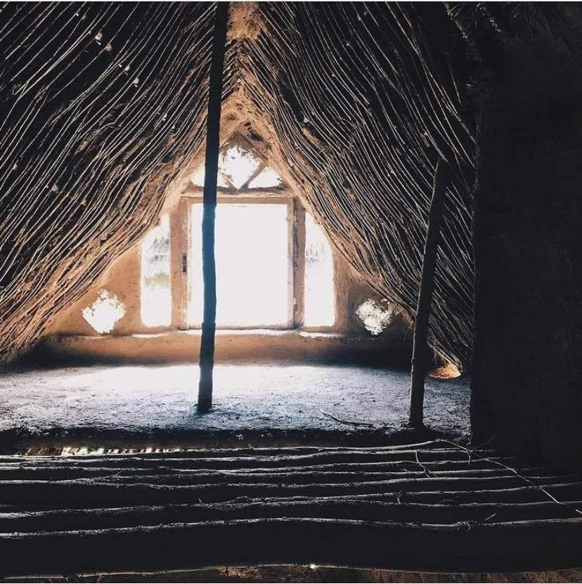 У таких будинках жили наші предки