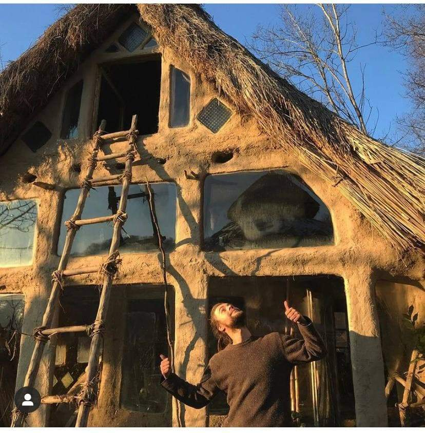 Будинок зводять за старовинною технологією