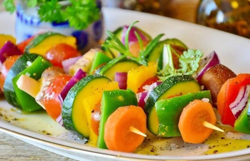 Кушать только овощи и надеяться похудеть – неправильно
