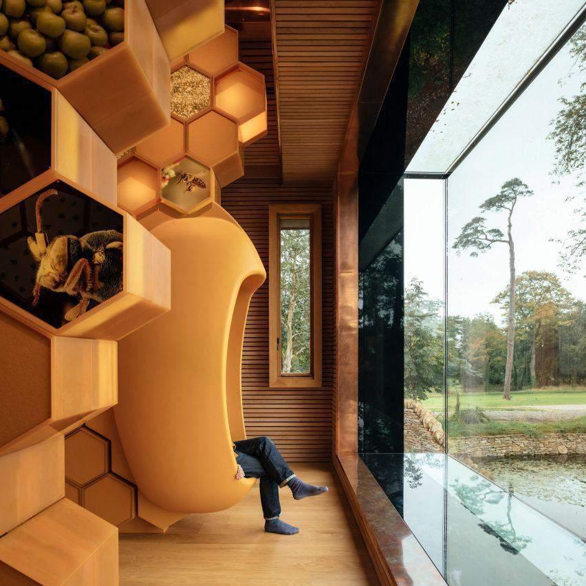 Інтер'єр будівлі для бджіл