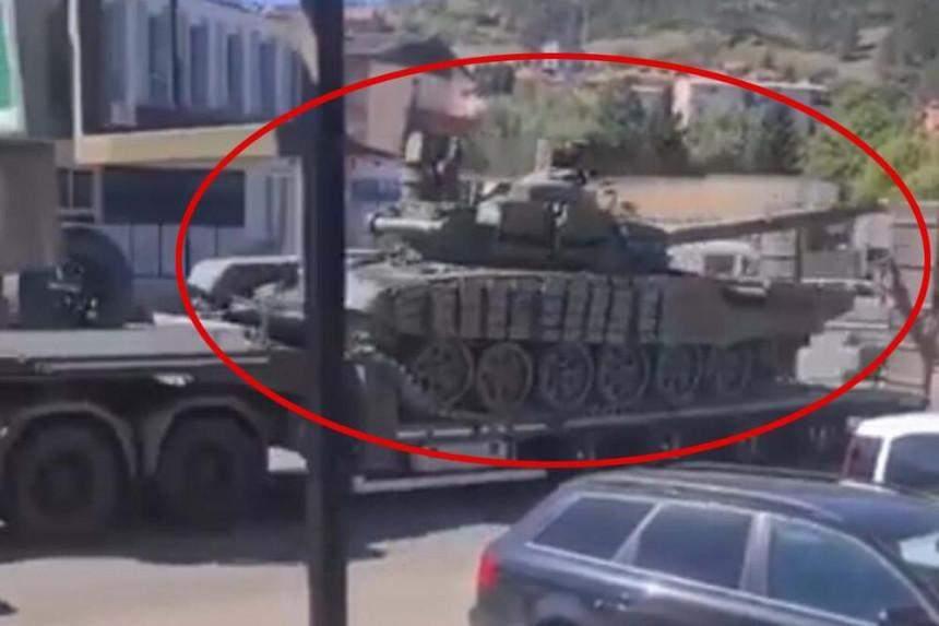 З сербського гарнізону вирушили танки