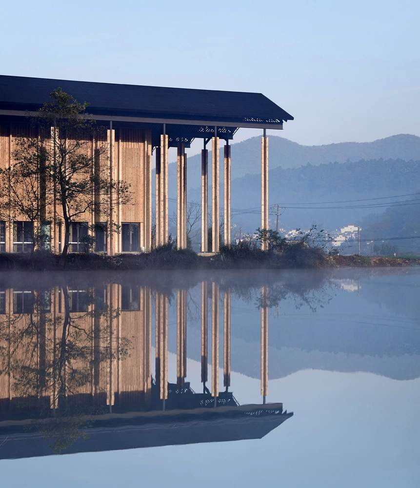 Маштабні простори будівлі / Фото Harmonies Magazine