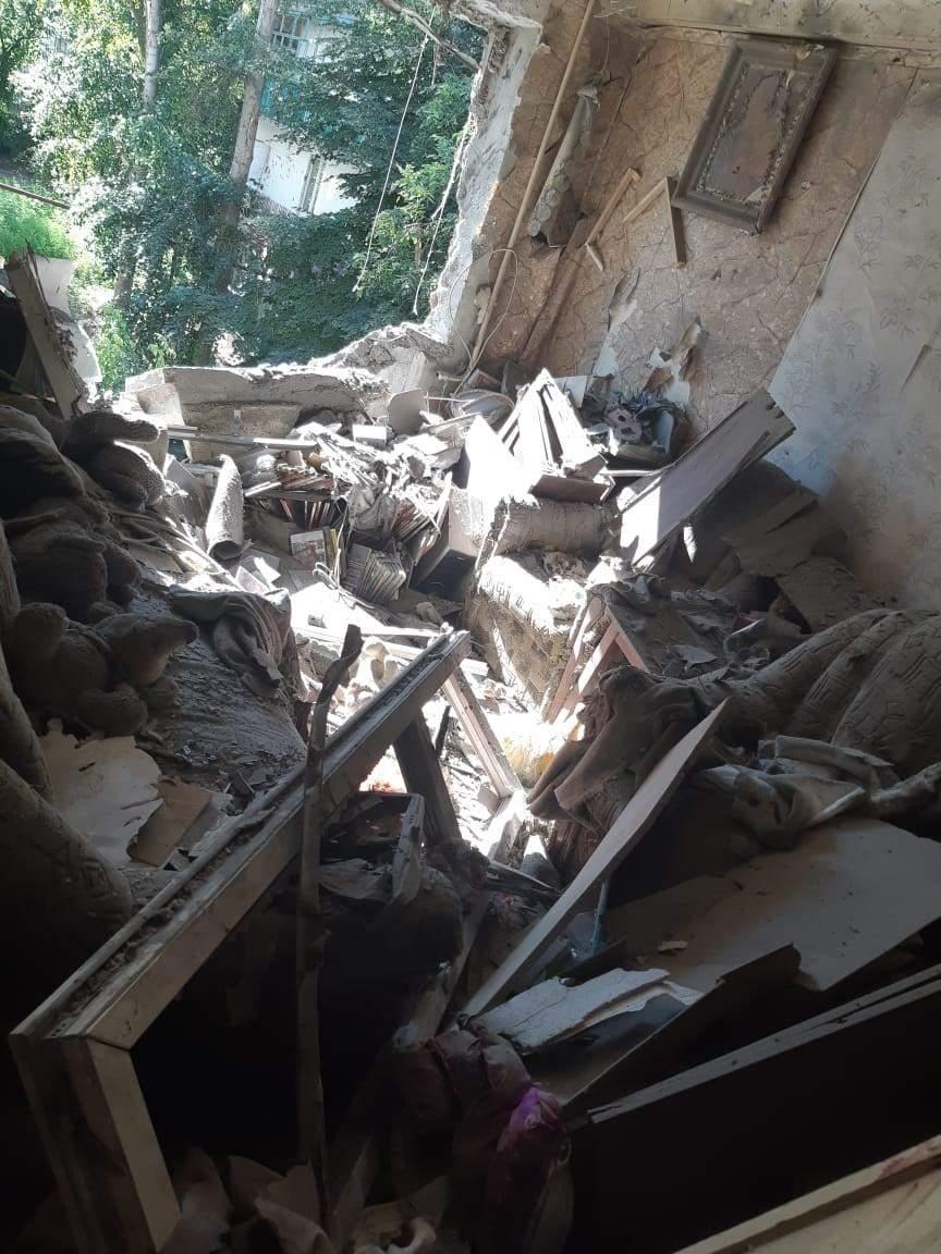 Окупанти обстріляли квартиру у Красногорівці