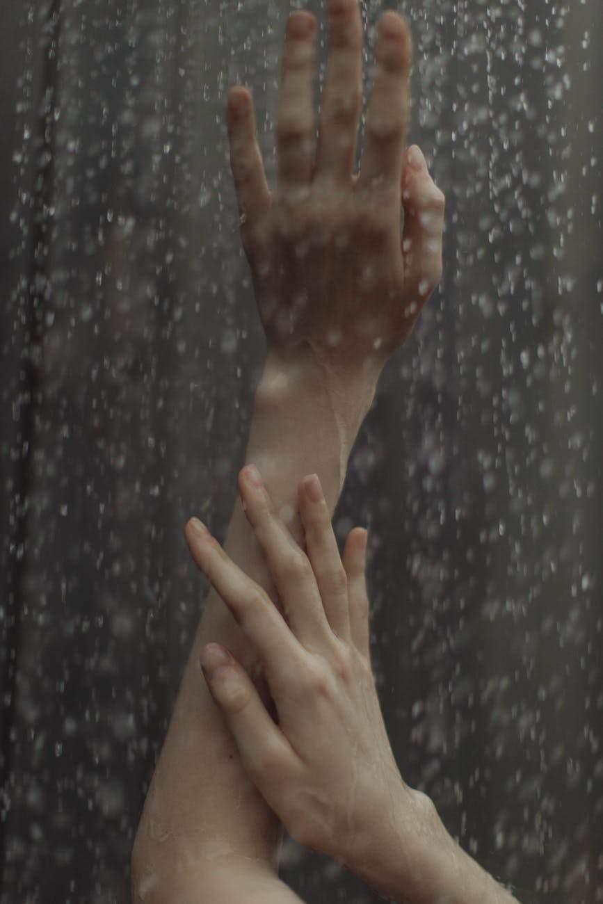 Прийміть теплий душ