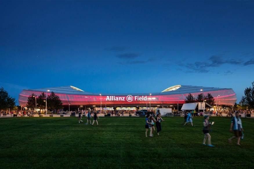 Варіантів освітлення стадіону є безліч / Фото Architectmagazine