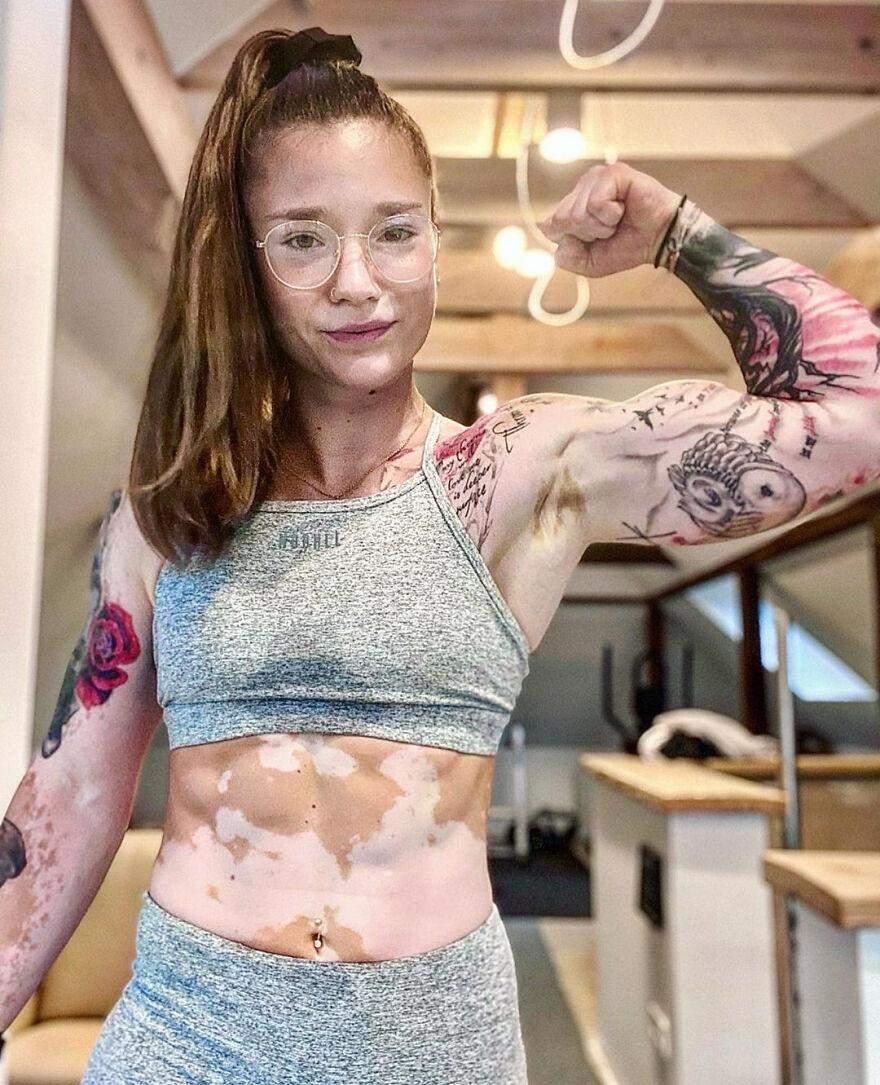 Зараз Антонія навчає інших розвивати і покращувати своє тіло