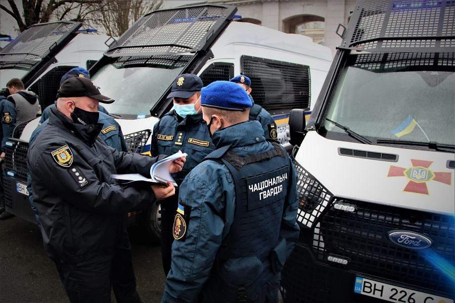 Військові готуються патрулювати вулиці Одеси