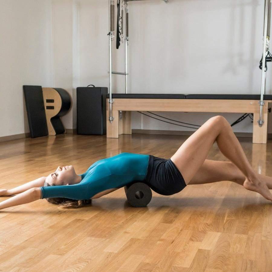 Валик для спины полезен, но без спорта не обойтись