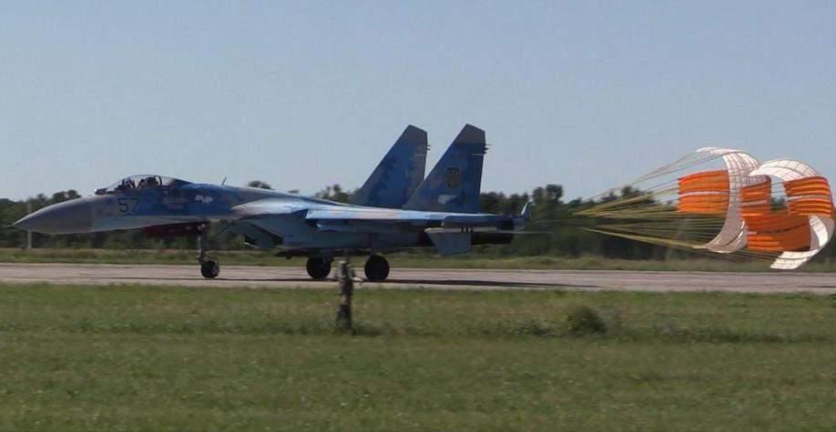 Українські гальмівні парашутні системи