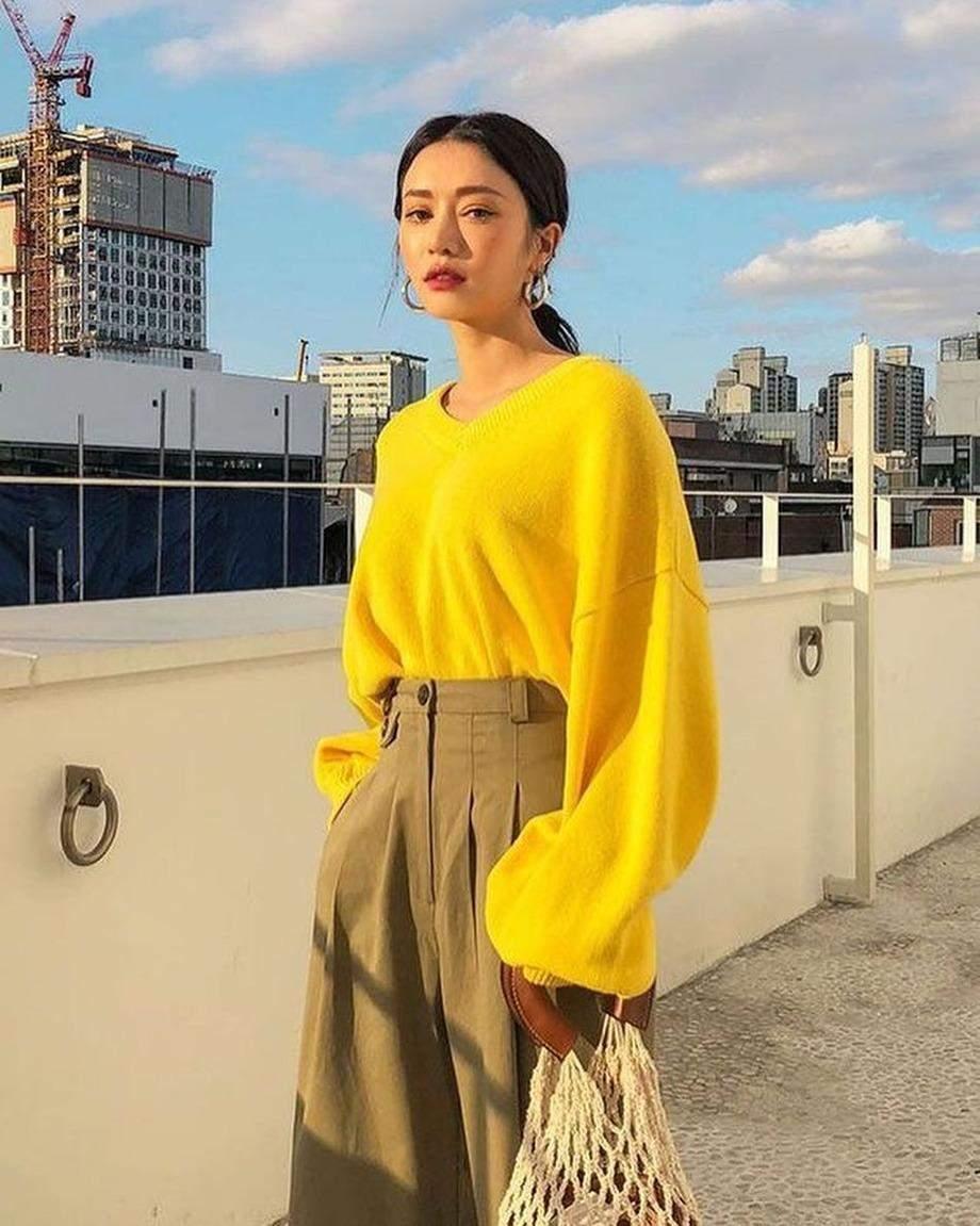 У 2021 році модними будуть жовті светри