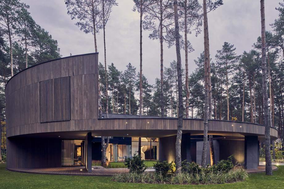 Ліс та дім у повній гармонії  / Фото Wallpaper