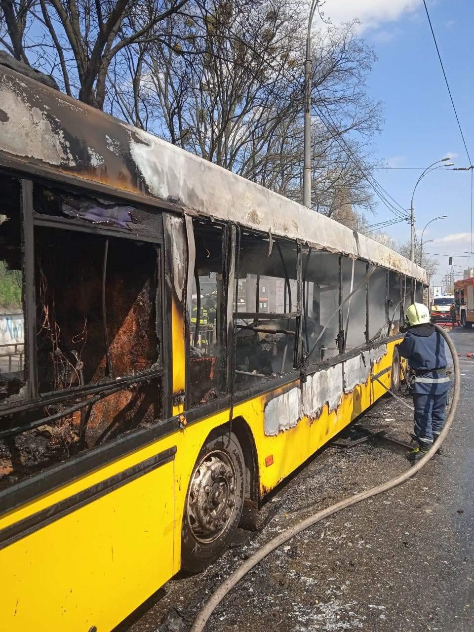 Пожежа маршрутка 102 Київ проспект Правди