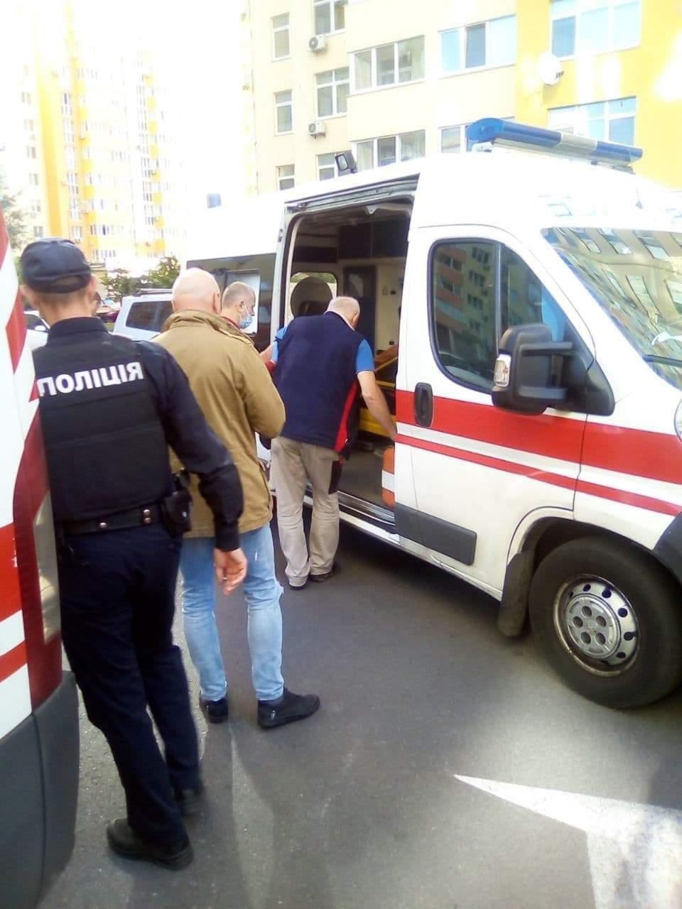 напад на електрика у Києві