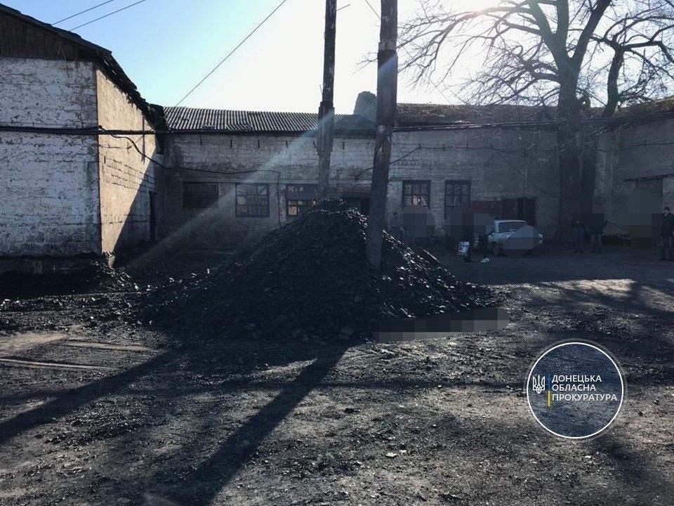 На Донеччині зловмисники незаконно видобували вугілля у закритій шахті