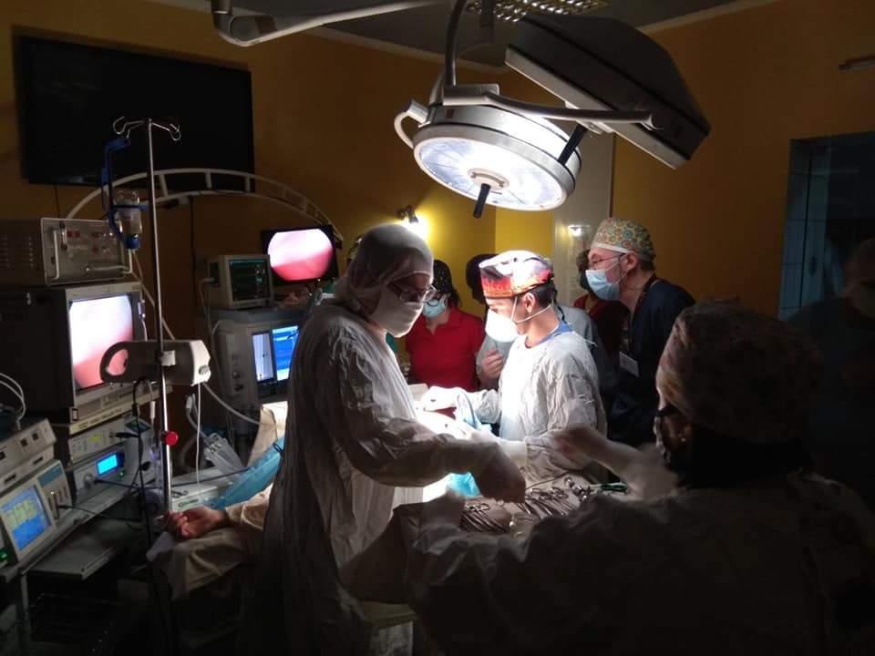 Вистрілив собі цвяхом у груди: львівські лікарі врятували 17-річного хлопця – фото