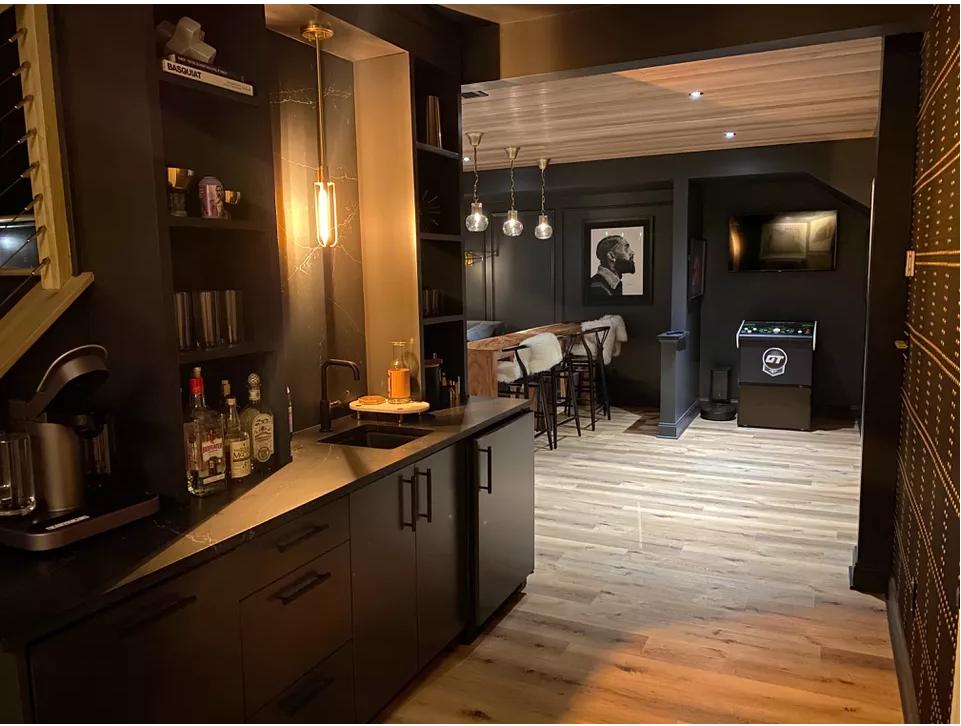 В этом маленьком и стильном баре все создано для отдыха