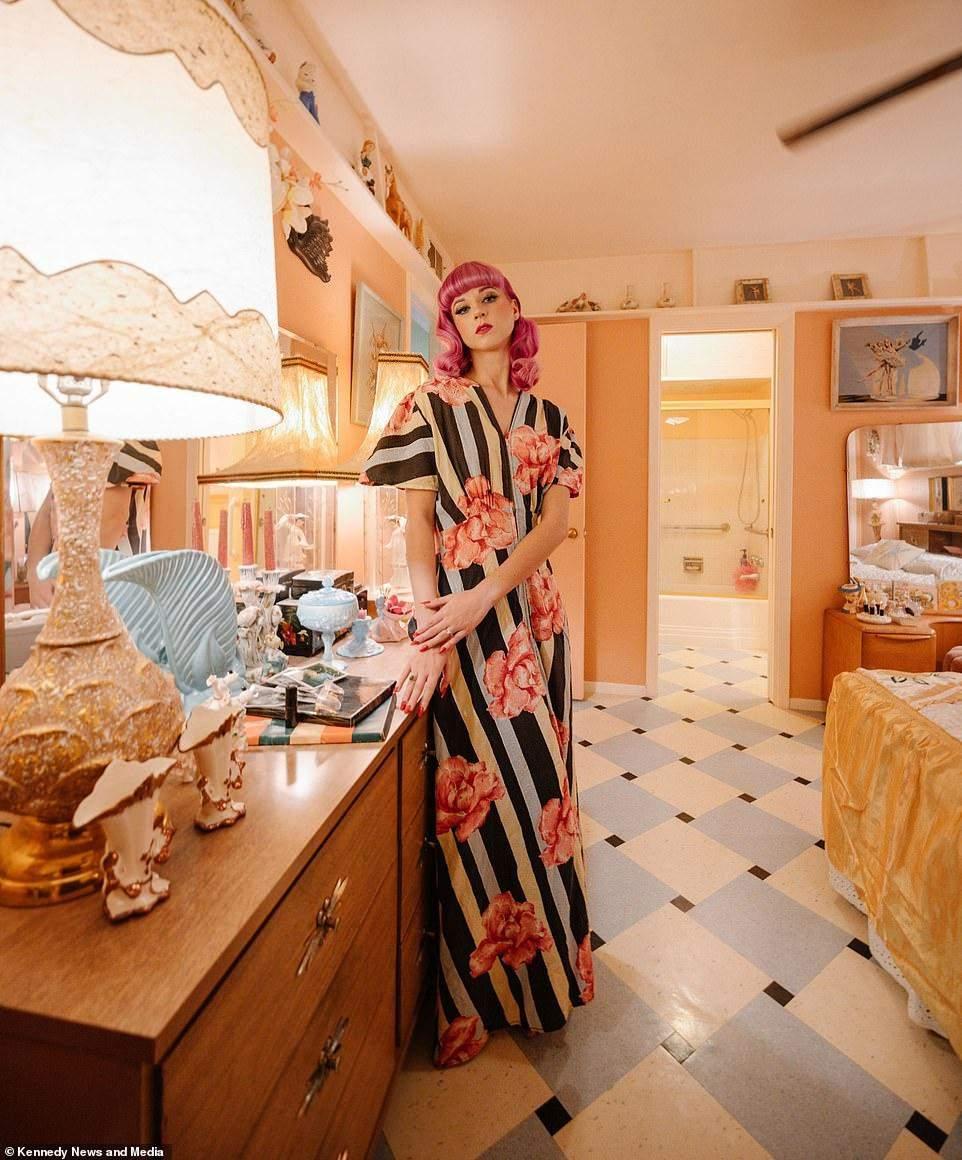Фанатка вінтажу витратила 50 тисяч доларів, щоб відтворити в домі атмосферу 1950-х років